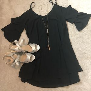 Super cute She and Sky black cocktail dress Sz M